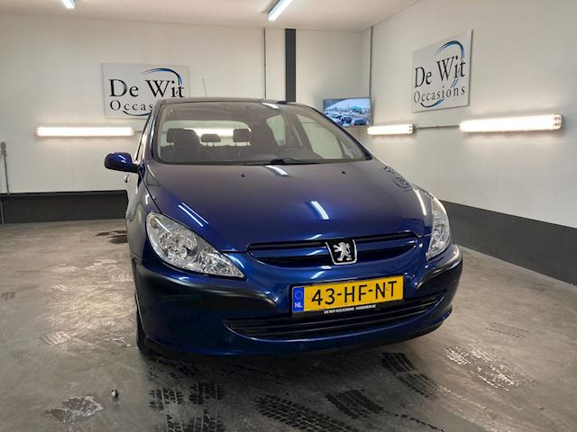 Peugeot 307 1.6-16V XT 5 DRS. uitv. in NETTE STAAT incl. AIRCO. incl. NWE APK !!