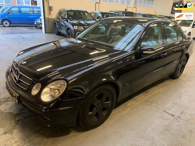 Mercedes-Benz E-klasse occasion - Autogarage Famillia