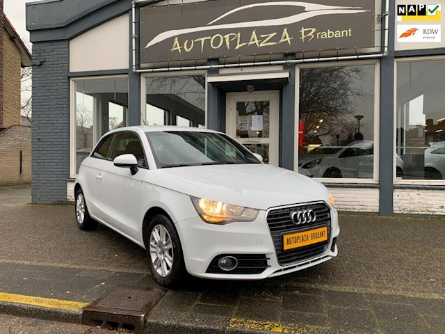 Audi A1 1.2 TFSI Attraction/ AIRCO/ NAVI VOORBER/ MMI/ STOELVERW/ BLEUTOOTH/ PDC/  15 INCH