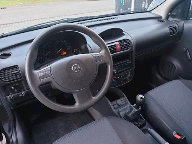 Opel Corsa 1.2-16V Essentia 3 deurs