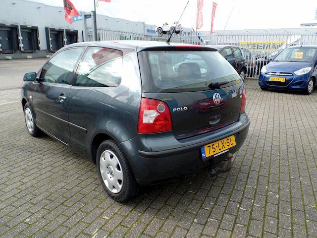 Volkswagen Polo 1.4-16V Comfortline AUTOMAAT