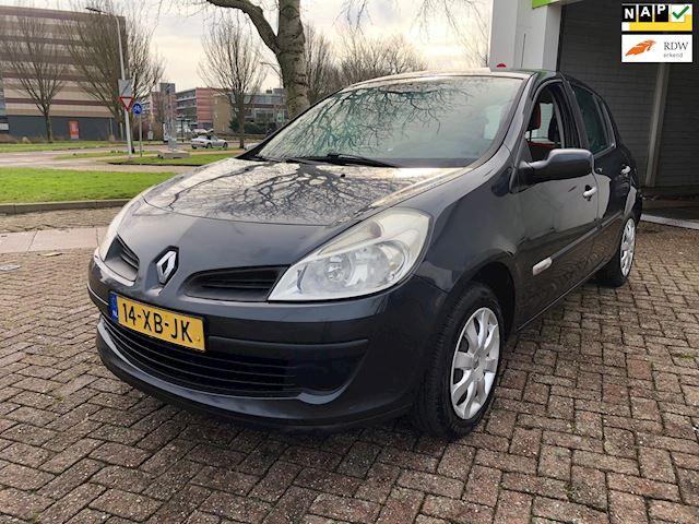 Renault Clio 1.2-16V Rip Curl Airco/AUX/Goed-onderhouden/Elek-pakket/Central Lock/Trekhaak