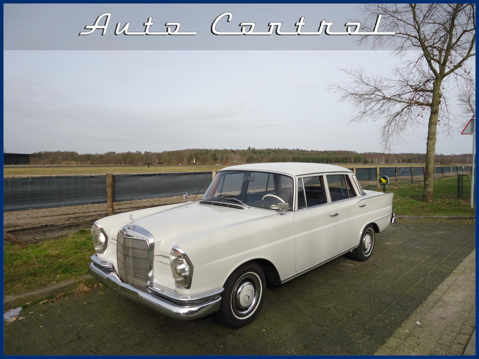 Mercedes-Benz 220S W111 Heckflosse occasion - Auto Control
