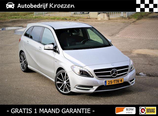 Mercedes-Benz B-klasse 180 Ambition Night Pakket * Org NL Auto * Van 2e Eigenaar * Navigatie * Leder *
