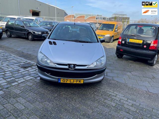 Peugeot 206 1.4 X-line NIEUWE APK EN ACCU