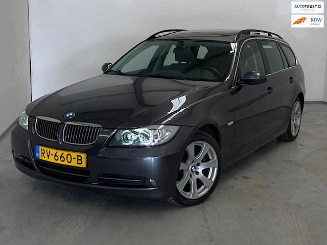 BMW 3-serie Touring 330xd Executive / Pano / Navi / Xenon