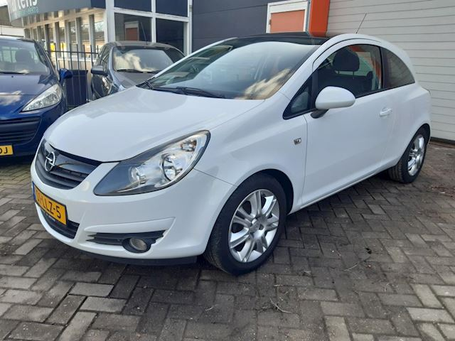 Opel Corsa 1.4-16V Color Edition airco cruise lmv