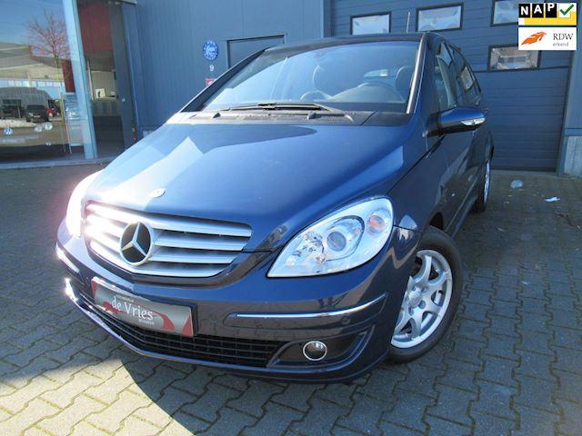 Mercedes-Benz B-klasse 200 Turbo Automaat / Panoramadak / Half leder / Lmv / Cruise / Navi / Harman-Kardon