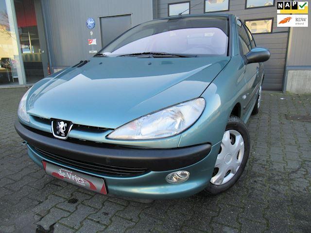 Peugeot 206 1.6-16V Gentry Automaat / Clima / Cruise / Elektr. Ramen / Nieuwstaat!!