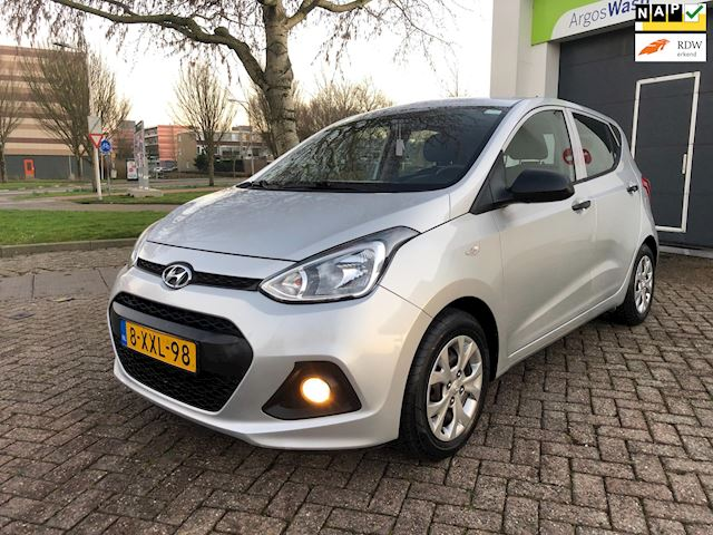 Hyundai I10  1.0i i-Motion Airco/AUX/ESP/Radio CD/Brake Assist/Cv/NAP