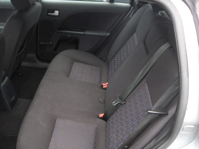 Ford Mondeo Wagon 1.8-16V Centennial st bekr airco elek pak nap apk
