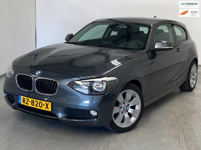BMW 1-serie 114i Business+ Sport / Navi / Airco / PDC