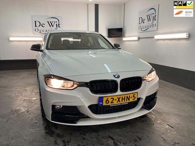 BMW 3-serie 328i Executive AUT. met M pakket/head-up/leer/navi./etc. MOOIE AUTO !! NWE APK/GARANTIE.