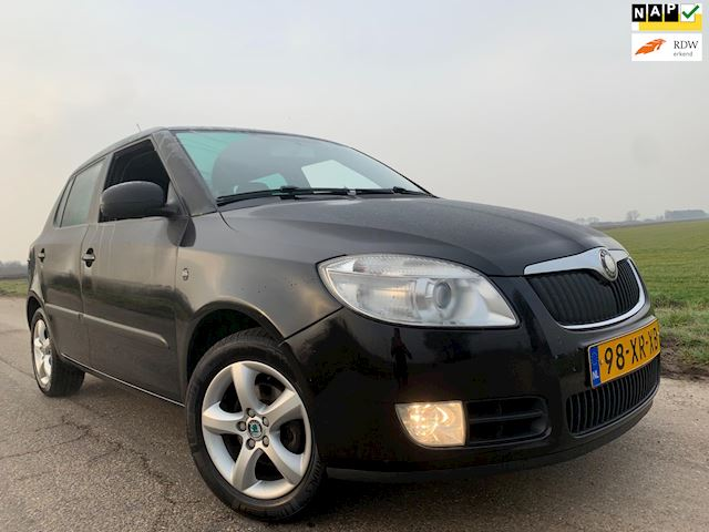 Skoda Fabia 1.4-16V Sport / clima full options!