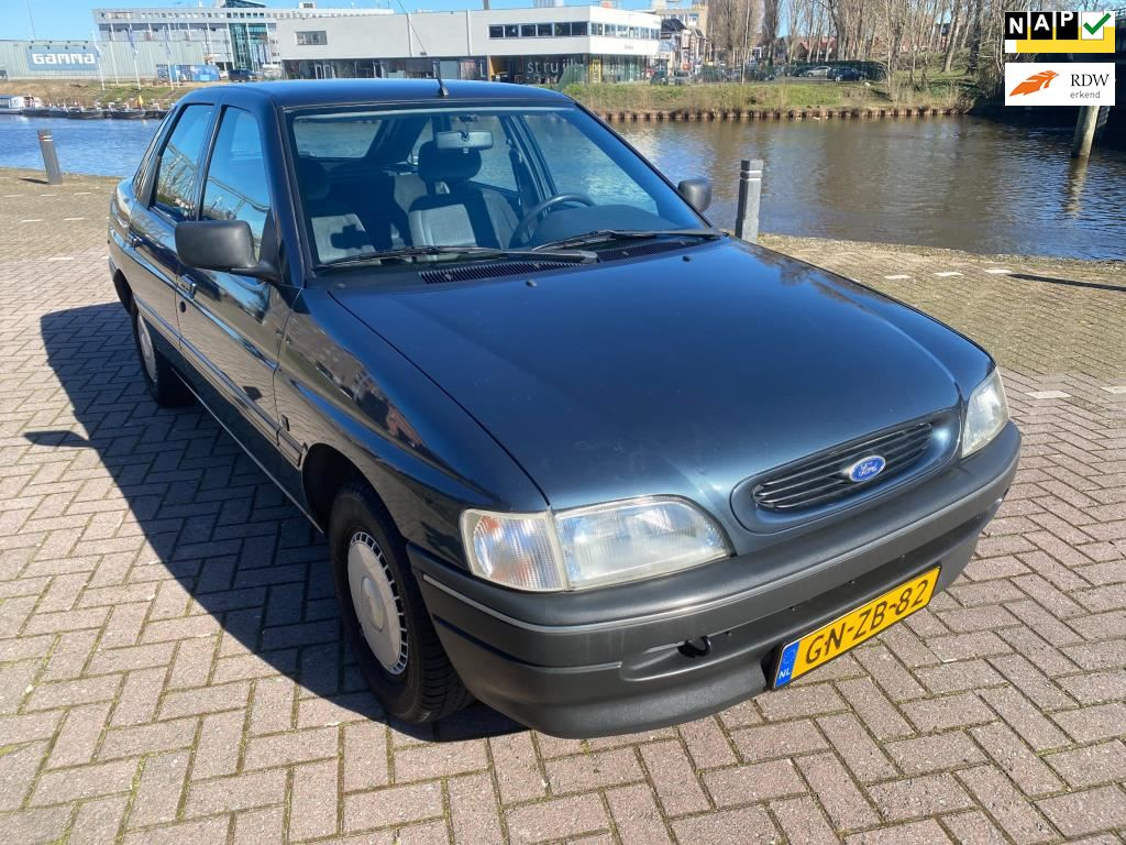 Ford Escort occasion - ML Cars - 's-Hertogenbosch