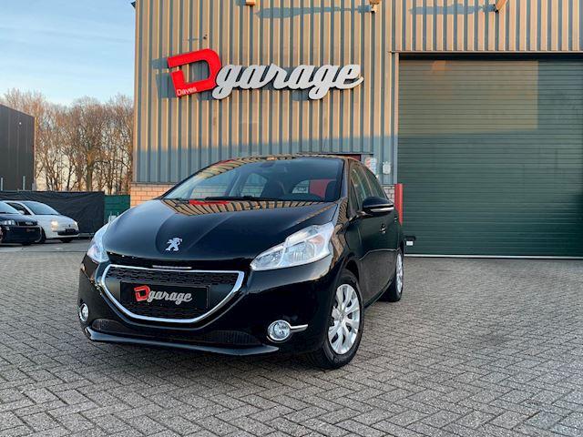Peugeot 208 1.2 VTi - navi,cruise control, dealer onderhouden