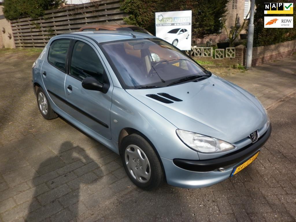 Peugeot 206 occasion - Autobedrijf in en verkoop auto's Evert van den Top