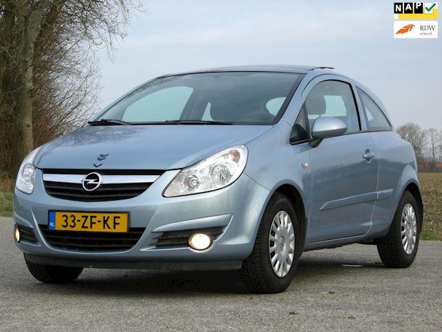 Opel Corsa 1.4-16V Enjoy Automaat // pano // airco