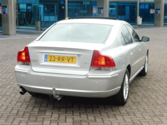 Volvo S60 2.5T Summum/aut/2005/leer/dak/navi/Bijt.vriendelijk