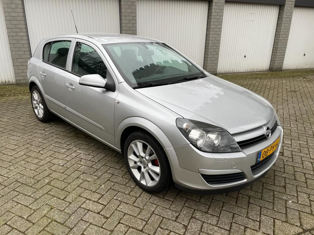 Opel Astra occasion - Van Hout Auto's