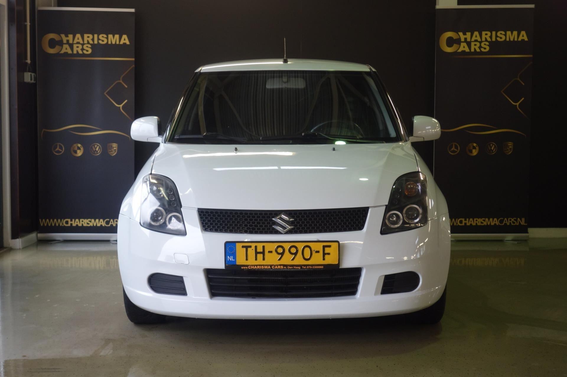 Suzuki Swift occasion - Charisma Cars