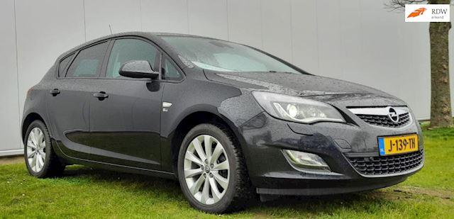 Opel Astra 1.4 Cosmo xenon