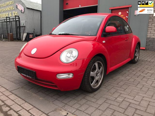 Volkswagen New Beetle 2.0 Highline