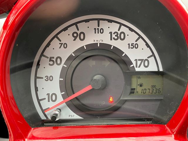 Toyota Aygo 1.0-12V Aspiration Red Leer Airco slechts 107000km