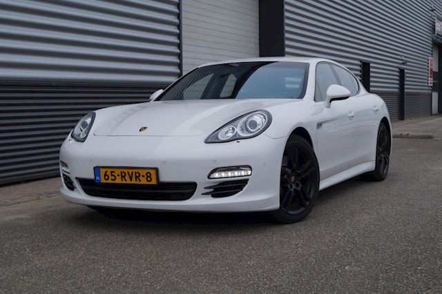 Porsche Panamera 3.0 D FULL OPTIONS / NL-AUTO/SOUND-DRIVE
