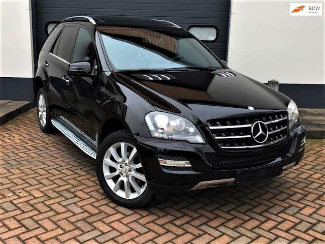 Mercedes-Benz M-klasse 350 CDI BlueTEC Edition 125 (Incl. BTW € 29.630) Grijs kent, Geel kent.