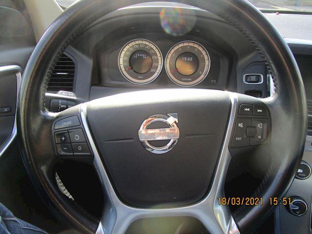 Volvo XC60 3.2 Momentum 124721 km nw staat