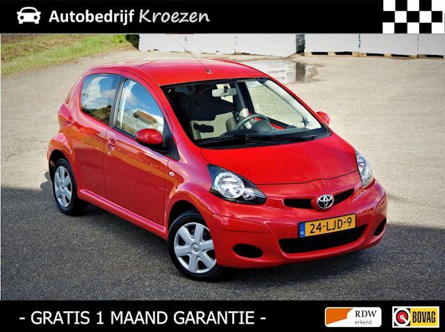 Toyota Aygo 1.0-12V Comfort * Org NL auto * Van 2e Eig. * 5 Deurs * APK 11-5-2022 *