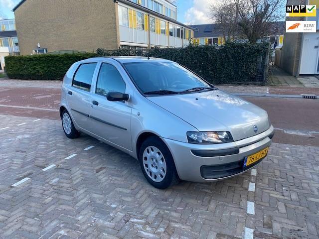 Fiat Punto AUTOMAAT / 96.000 NAP / Airco / 5 deurs / Zeer mooie auto