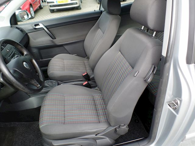 Volkswagen Polo 1.4-16V Optive zeer mooie auto