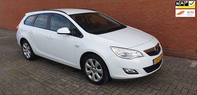 Opel Astra Sports Tourer 1.4 Business +