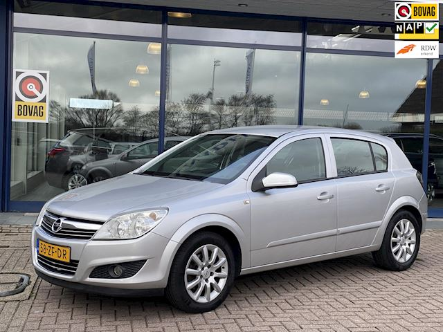 Opel Astra 1.6 Temptation 5Drs Airco Cruise LmVelgen NL-Auto NAP Dealeronderhouden!