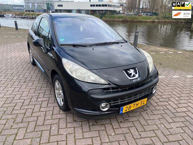 Peugeot 207 1.4-16V XS Pack digitale airco sport velgen apk feb 2022 bij 2006 met beetje werk rijd goed verder