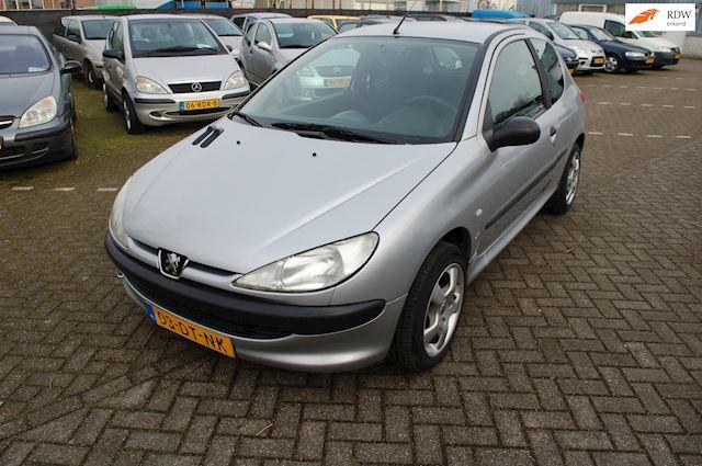 Peugeot 206 1.6 XS APK tot 19-03-2022..... 86956KM N.A.P.