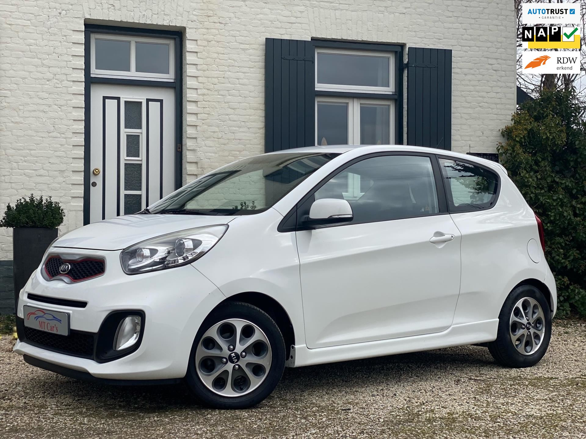 Kia Picanto occasion - M.T.  Cars & Carcleaningcenter