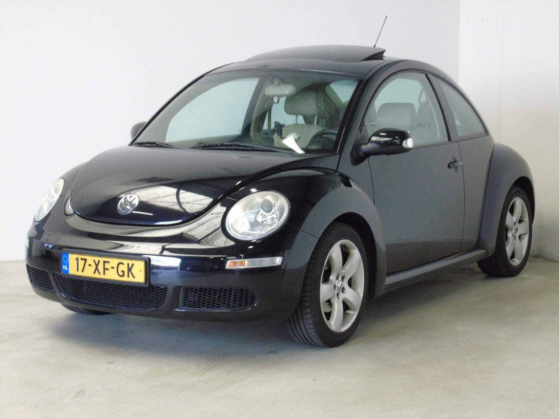 Volkswagen New Beetle occasion - van Dijk auto's