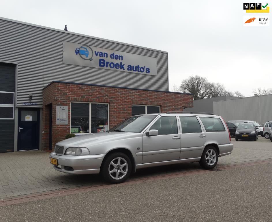 Volvo V70 occasion - R. van den Broek Auto's