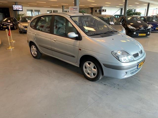 Renault Scénic occasion - Atlas Garagebedrijf