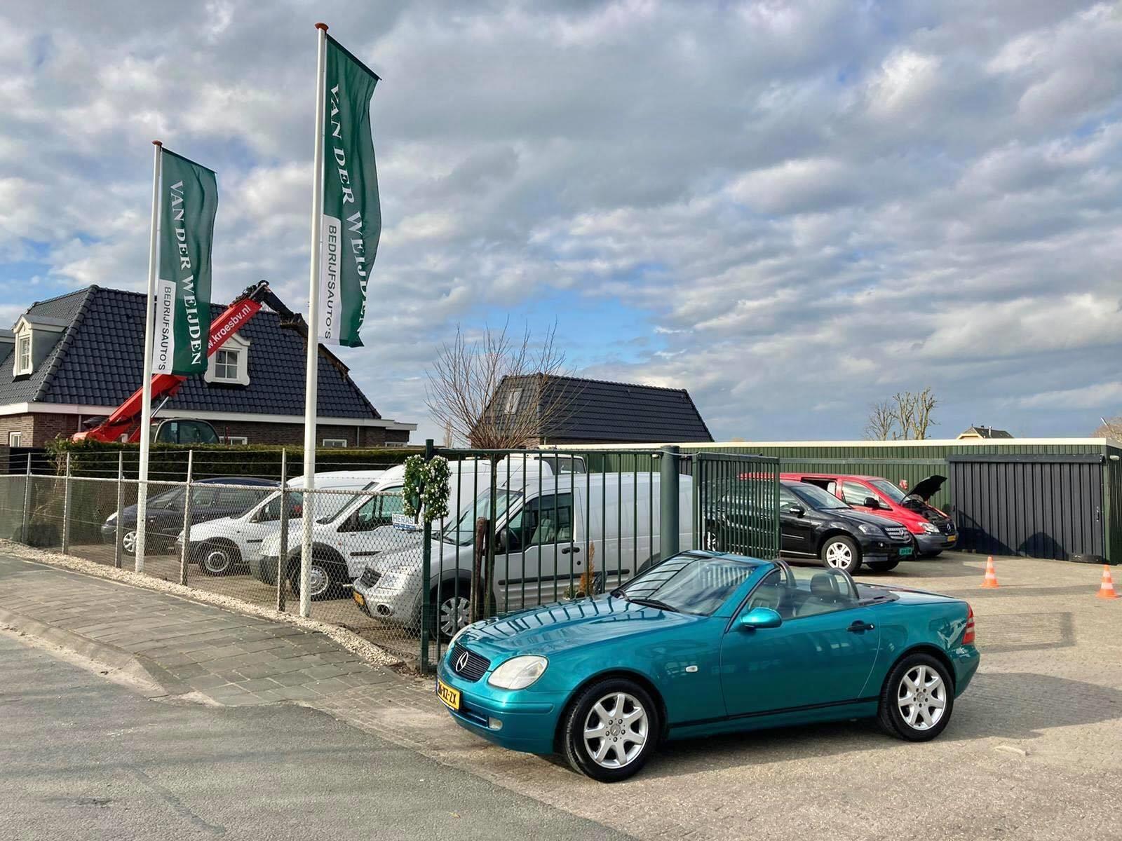 Mercedes-Benz SLK-klasse occasion - Van der Weijden Bedrijfsauto's
