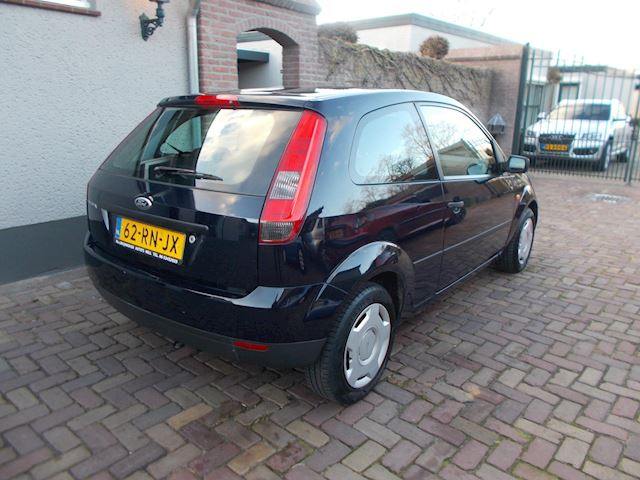 Ford Fiesta 1.3 Style bj 2005 nwe apk