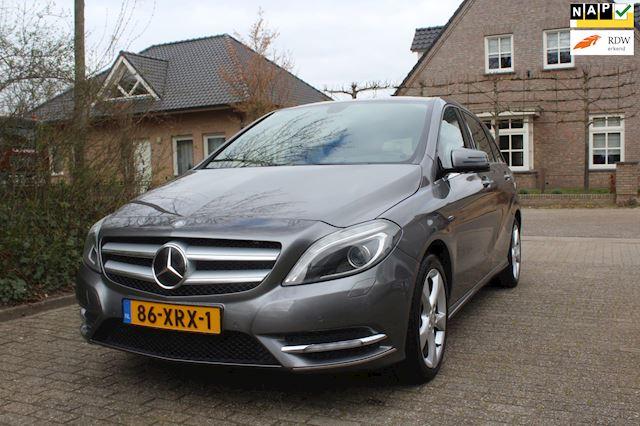 Mercedes-Benz B-klasse ZEER MOOIE ORG NED AUTO . NAVI HALF LEER 180 CDI Ambition