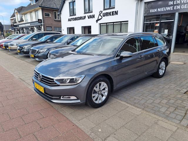 Volkswagen Passat Variant 1.4 TSI ACT Business Edition,Navigatie,Climate control,Cruise control,Trekhaak