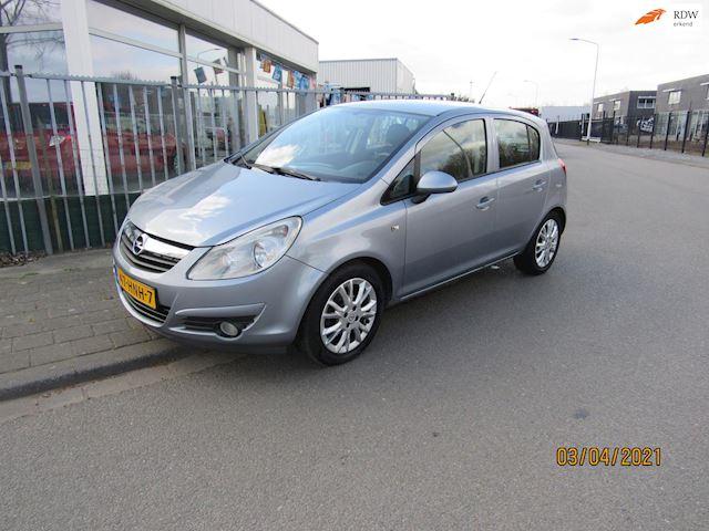Opel Corsa 1.4-16V Enjoy 60840km 5 deurs,airco,cruize controle,pdc.