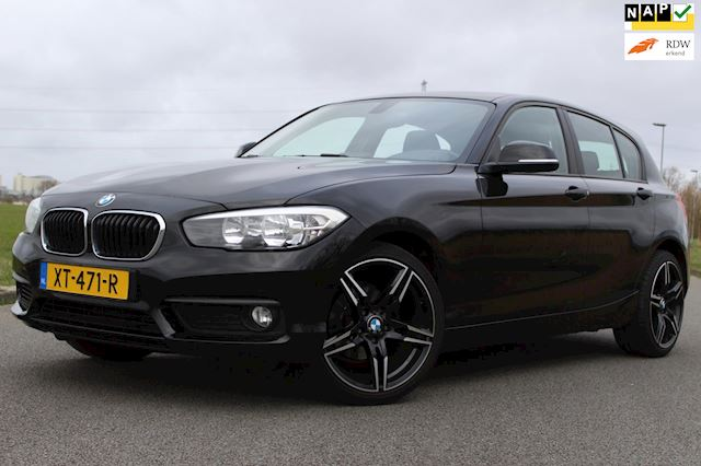 BMW 1-serie 116d EDE Corporate Lease Sport 116 PK ! CRUISE CONTROLE - AIRCO - PARKEERSENSOREN - STOELVERWARMING !
