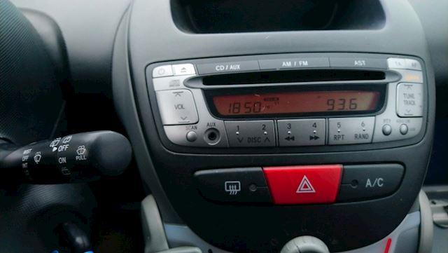 Peugeot 107 1.0-12V URBAN (AIRCO) INRUIL MOGELIJK !!