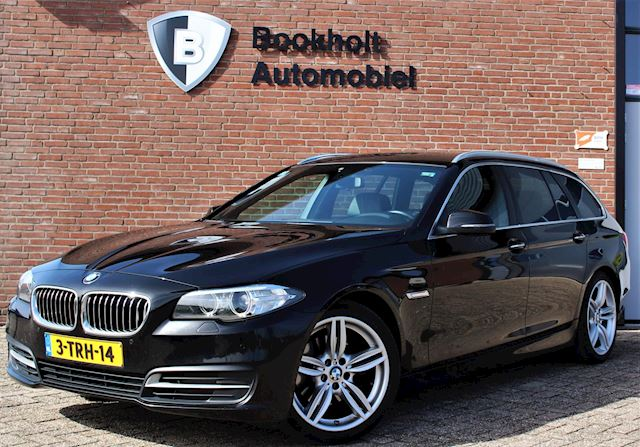 BMW 5-serie Touring 520d High Executive, M-sportonderstel, 19
